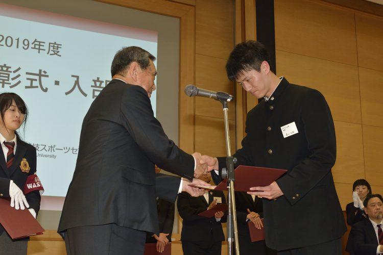 早稲田大学男子バレーボール部は稲門体育会(団体名誉賞)を受賞いたしました。